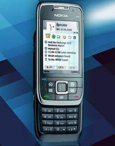 Официальные фотографии Nokia E66 и E71