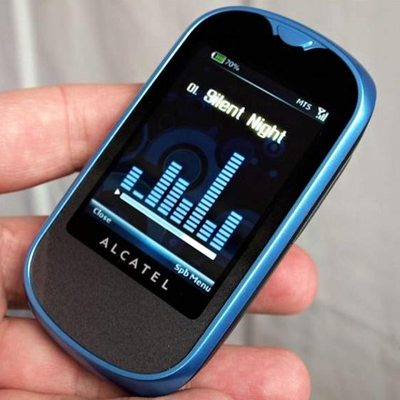 Музыкальный плеер поддерживает...  Недорогие сенсорные телефоны все активнее