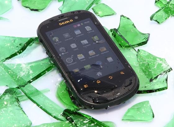 ассортиментный ряд защищенный всепогодный мобильный телефон Sonim XP