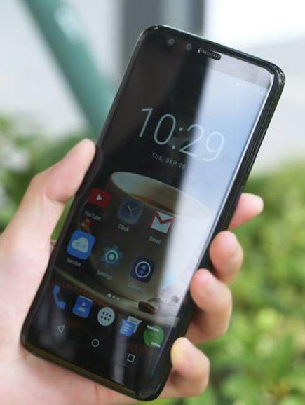 Elephone C8 пообещали экран 18:9 и четыре камеры