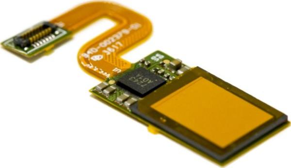 Смартфон Vivo сосканером отпечатков вэкране