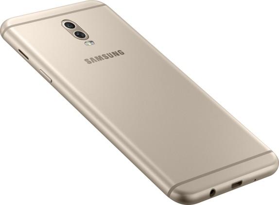 Цена Samsung Galaxy Note 8 в России рухнула на 10 000 рублей за один день после начала продаж